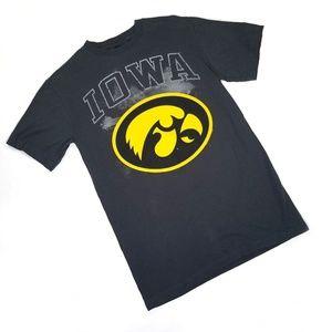 NCAA Iowa Hawkeyes Gray Graphic Tee size Medium